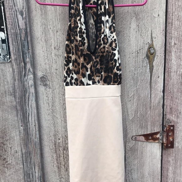 Medium Leopard Print sleeveless dress